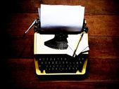 旧的老式打字机 — 图库照片