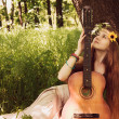Hippie singer girl — Stockfoto