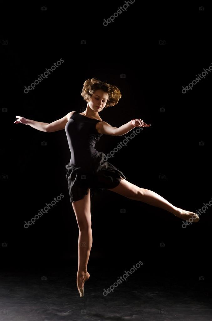 Балерина в чёрном