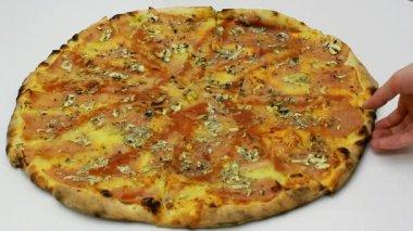 Italian pizza — Stock Video