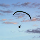 Silhouette of paragliding — Stock Photo