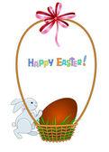Biglietto di auguri di pasqua con uova rossa in cesto di vimini — Vettoriale Stock
