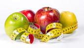 ölçme bant ile diyet elma — Stok fotoğraf