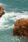 Oceaan Golf en rotsen — Stockfoto