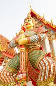 V chrámu thajské obří sochy — Stock fotografie