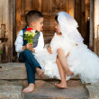 Kids Love Couple After the Wedding — 图库照片