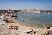 Ludzi na plaży, wyspa krk — Zdjęcie stockowe