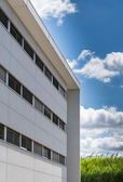 New prefabricated office building with white facade — Stock Photo