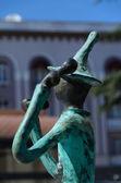Statuen von 21 musiker vor verwaltungsgebäude — Stockfoto