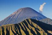 Bromo volcano at sunrise, Tengger Semeru National Park, East Java, Indonesia — Foto de Stock