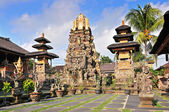 Gorgeus Pura Saraswati temple at the lovey village of Ubud. Bali, Indonesia — Stock Photo