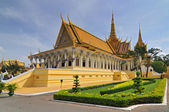 Throne Hall in the royal palace in Cambodias capital Phnom Penh — Stock Photo