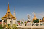 The royal palace in Cambodias capital Phnom Penh — Stock Photo