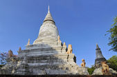 Stupa at Wat Phnom in Phnom Penh, the temple that gave the Cambodian capital its name. — 图库照片