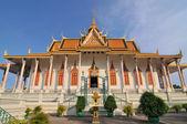 Famous Silver Pagoda inside the royal palace grounds Phenom Phen Cambodia — Stock Photo