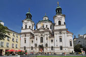 Baroque St. Nicholas' Cathedral on the Oldtown Square in Prague — Stock Photo