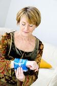 Wärme-therapie ältere person — Stockfoto