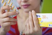 WOMAN TAKING GENERIC DRUG — Stock Photo