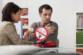 SMOKING CONSULTATION MAN — Stock Photo