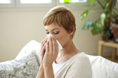 WOMAN  WITH RHINITIS — Stock Photo