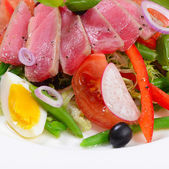 Nicoise with fresh tuna and vegetables — Stok fotoğraf