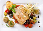 Fish with grilled vegetables — Stock Photo
