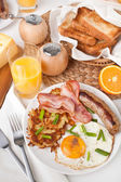 Traditional Manhattan brunch — Stock Photo