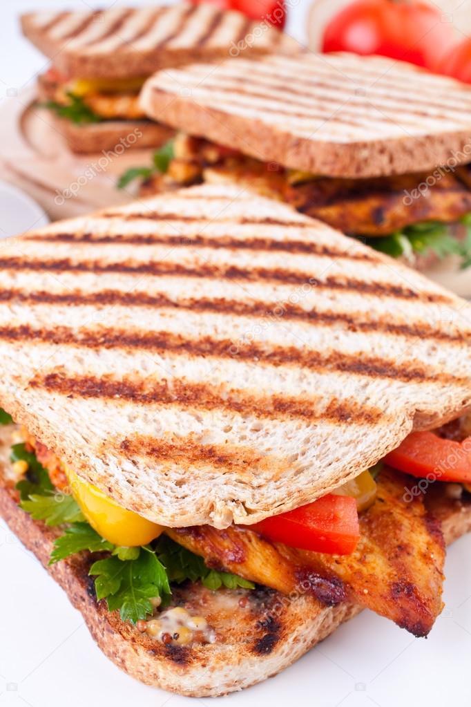 Izgara Tavuk Sandviç üç Izgara Tavuk Sandviç