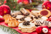 Christmas cookies and decorations — Stock fotografie