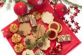 рождественское печенье и украшения — Стоковое фото