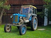 Aged tractor — Stock Photo