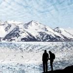 Couple admiring beautiful view — Stock Photo