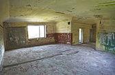Viejo edificio abandonado interior — Foto de Stock