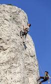 Eylem kaya dağcılar. — Stok fotoğraf