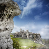 Ruins of a castle, Ogrodzieniec, Poland.  — Stock Photo