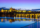 Prague castle and bridge at sunset, Czech republic. — Stock Photo