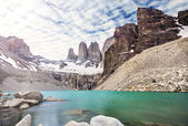 Mountains and lake in Torres del Paine National Park, Patagonia, — Stock Photo