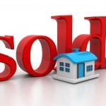 vende casa 3D con texto — Foto de Stock   #42105707