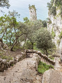 """Stairs to descend to """"El Caballo"""" lighthouse. Cantabria (Spain). — Stock Photo"""