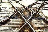 Spoor en de trein stopt bij de volgende — Stockfoto