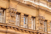 Stone facade on classical building — 图库照片