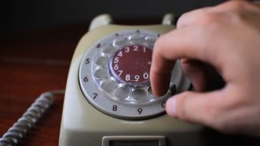 Old telephone — Stock video