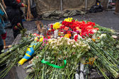 Flowers in memory of murdered on Euromaidan, Kyiv, Ukraine — Stock Photo