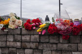 Flowers in memory of murdered on Euromaidan, Kyiv, Ukraine — Stock Photo
