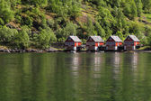 Cottages near the water — Stockfoto