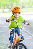 少年サイクル自転車歩道の乗り物 — ストック写真