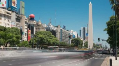 Argentina Buenos Aires with landmark Obelisk with traffic at rush hour time lapse — Stock Video