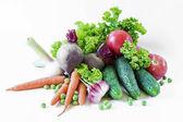 Grönsaker isolerad på en vit bakgrund — Stockfoto