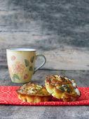Malá vejce muffiny s kozím sýrem — Stock fotografie