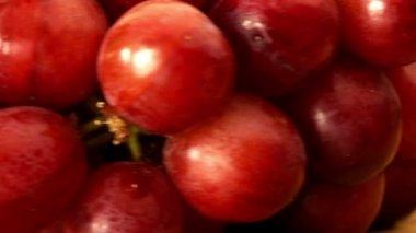 Uvas rojas frescas girando — Vídeo de Stock